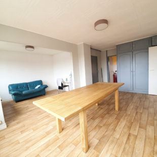 Proche gares appartement 2 chambres dernier etage  avec garage